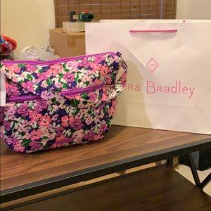 NEW!!! Vera Bradley messenger / shoulder bag!!!